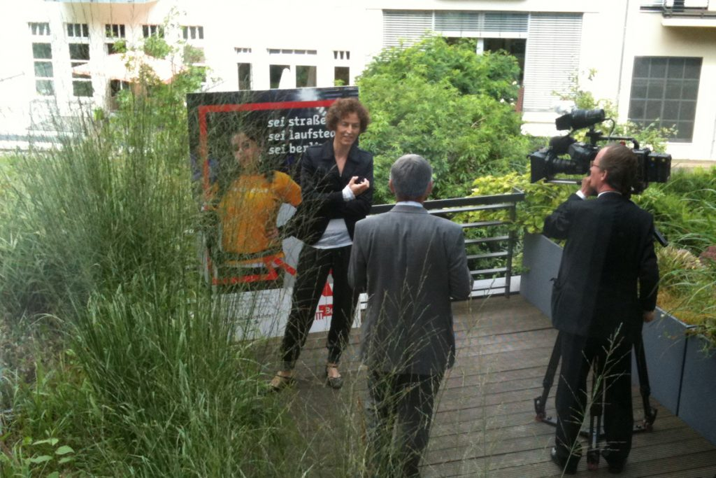 Embassy_Interview_ORF_Weltjournal_Katrin_Androschin_2011_32