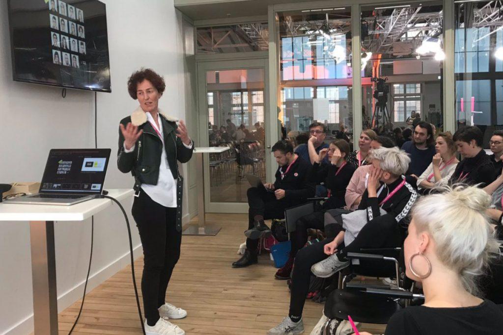 Katrin Androschin hält einen Vortrag bei der ZGO 19
